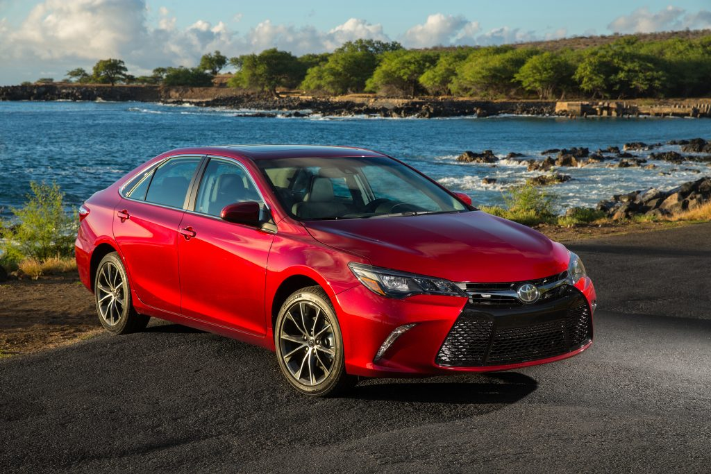 TOYOTA CAMRY ( BEST SEDAN IN WORLD) - Price, Interior And Engine